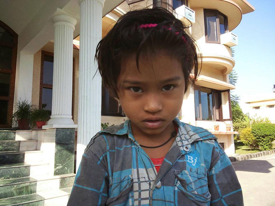 インドの病院で出会った女の子